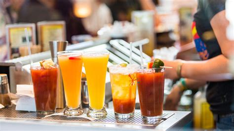 How Bottomless Booze Became an Irresistible Brunch Pairing