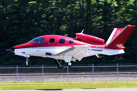 Cirrus SR22: The Plane with the Parachute • Disciples of