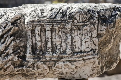 Hunt for REAL 10 Commandments: Archaeologists in