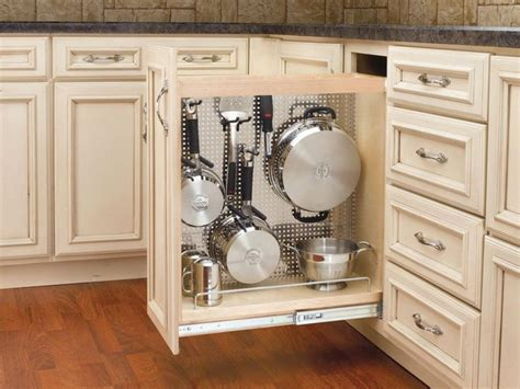 Great idea for narrow lower cupboard beside stove