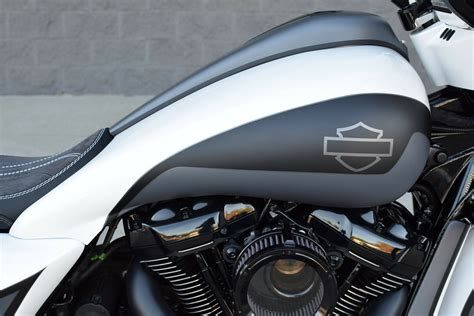 2017 Street Glide Special Fat Tire Bagger *mint* Front