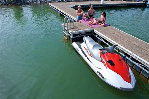 Video: Start Your Summer With Yamaha's 2015 V1 Series