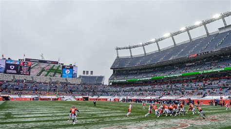 Extreme Cold Doesn't Stop Broncos Country From Showing Up