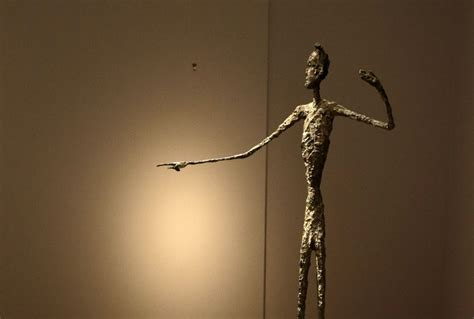 Skinny sculptures inspire people to eat smaller portions