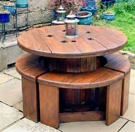 17+ DIY Upcycled Spool Project Ideas for Outdoor Furniture